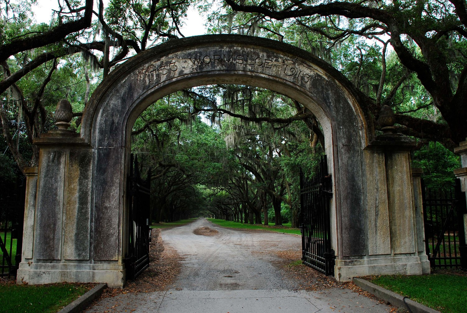 entrance to wormsloe plantation