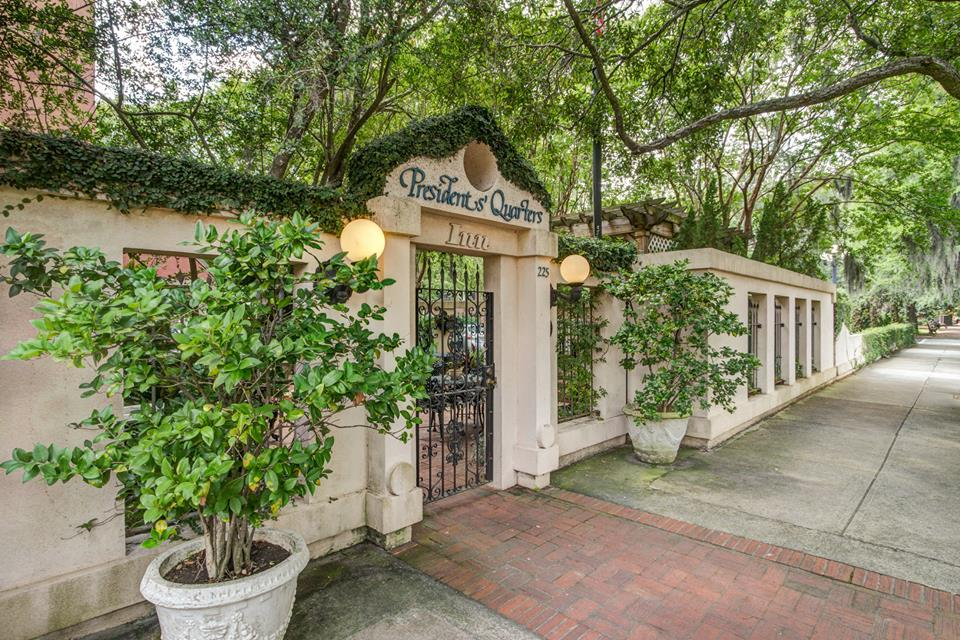 How to select the best savannah ga wedding venues presidents if youre searching for a more intimate atmosphere look no further than our courtyard known as one of the best savannah wedding venues our garden has a junglespirit Gallery