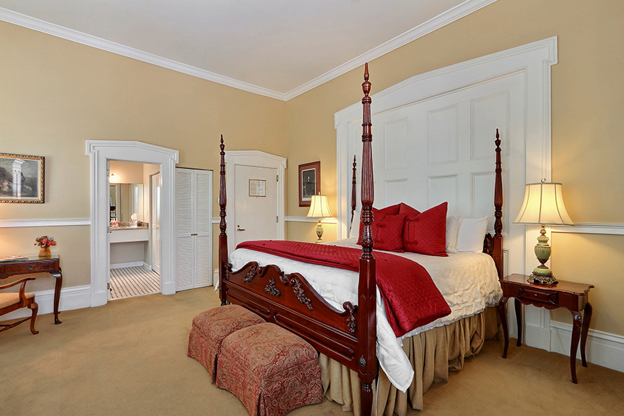 Historic Inn Suite